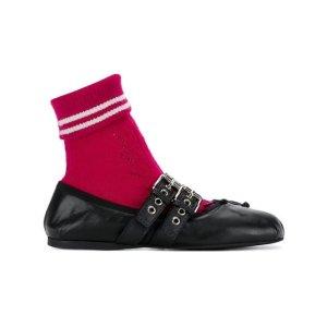 Miu Miu袜子鞋