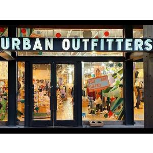 低至6折Urban Outfitters 折扣大促 橄榄绿Champion卫衣€53收