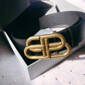3折起 £369收袜子靴Balenciaga 折扣区惊喜上新 收袜靴、运动鞋、Logo卫衣等好物