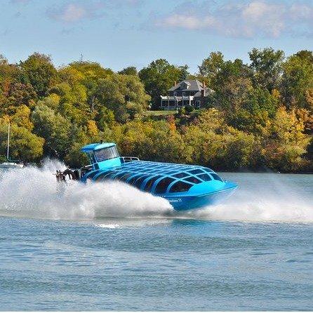 Niagara Falls  乘坐漩涡喷气艇游览