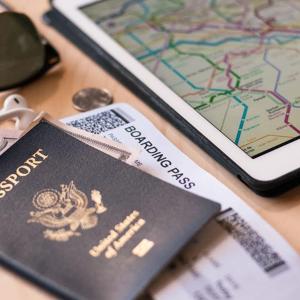 开卡送50,000点数大通高级版蓝宝石卡 全球范围3X返点 机场贵宾室权益