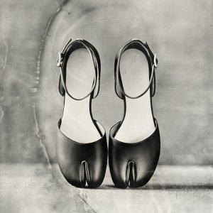 全线7.8折 德训鞋仅$442Maison Margiela 时髦鞋衣大促 收最in分趾靴、马蹄包