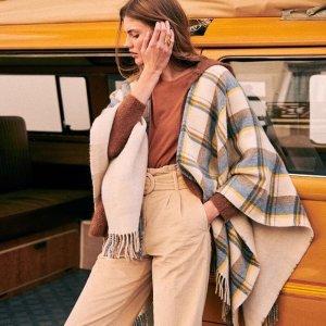 法式穿搭标杆 €95焦糖色毛衣上新:Sézane 法国姑娘的最爱 自然随性搭出层次感