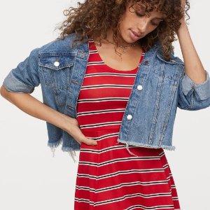 $9.99Sleeveless Jersey Dress @ H&M