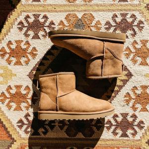 $39(原价$72)四款经典色可选史低价:UGG 冬季必备经典款羊皮雪地靴