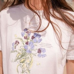 7折 €19收个性短袖Urban Outfitters官网 美衣热卖 夏天到了 你的衣橱换新了吗