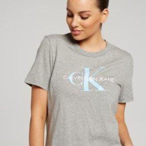 7折 入百搭卫衣Calvin Klein 精选女士服饰热卖
