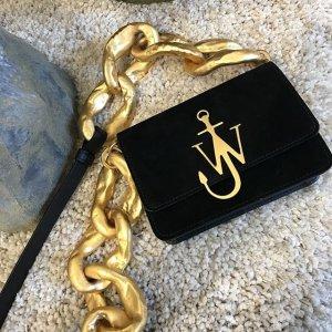 全场7.5折 £440收封面款经典logo包包即将截止:JW Anderson 船锚包最新折扣 收经典包包卫衣