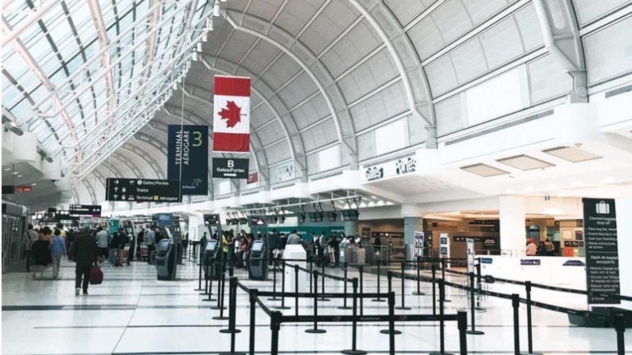 多伦多机场抵达攻略 | 办学签、自动申报、通关、公共交通全搞定!