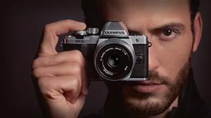 8折 回国可退税Olympus E-M10 Mark II复古无反相机 +14-42mm 镜头套装
