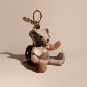$109收呆萌小熊+免税包邮独家:Burberry 小熊挂坠特卖 钥匙、包包好朋友
