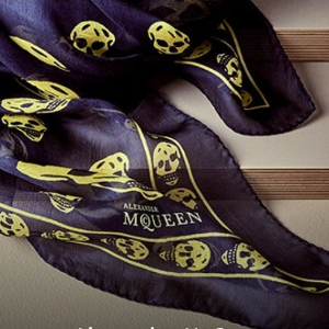 $69.99起Alexander McQueen 丝巾、包包等热卖
