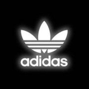 低至5折+额外8折!经典必备小白鞋£41!折扣升级:Adidas 官网 明星同款、大牌联名、年度限定热卖中!