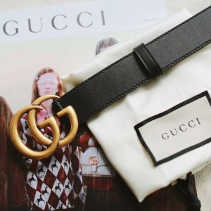 上新啦!Gucci 小白鞋£265Gucci 大童宝藏区  超多小白鞋、GG系列、围巾 SIze最大38!