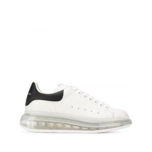 Alexander McQueen新款透明底黑尾小白鞋