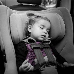 $349.95(原价$449.95) 包邮包退Nuna RAVA 双向儿童安全座椅 两色可选  安装超简单
