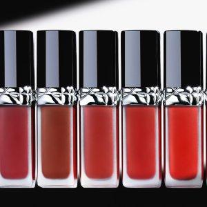 $52 人间富贵花上新:Dior 锁色唇釉626热卖 气质复古玫瑰红茶棕 显白!