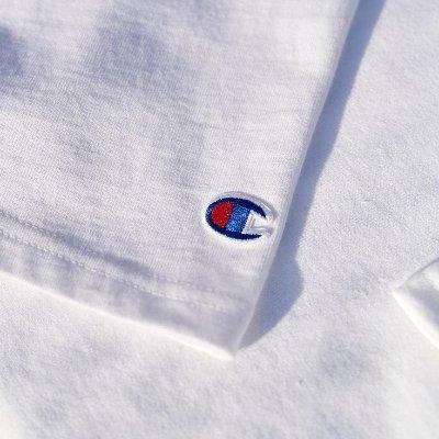 低至7折 白色T只要£17Champion 品牌直营 基础款男、女 Logo 服饰热卖中