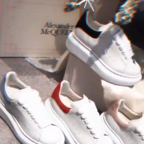 7折!麦昆大童小白鞋£154Oluxury 独家大促 麦昆、BBR、BLCG、ACNE等爆款速速入