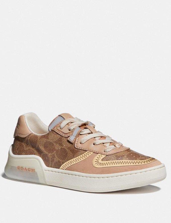 老花运动鞋