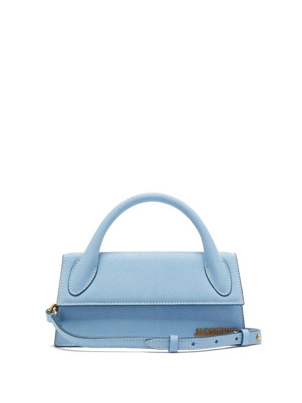 天蓝色手提包