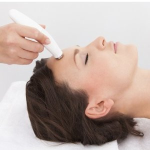 $118.15(原价$139)Lumi Medispa 祛角质和血清微针治疗