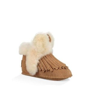 Last Day: Up to 60% Off + Extra 10% OffKids Closet Sale @ UGG Australia