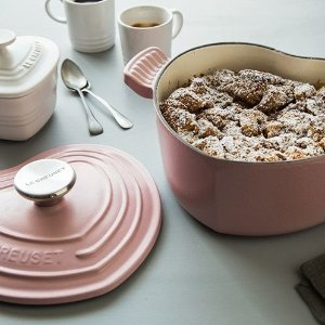 Free Set of Two Mugs with $200 PurchaseLe Creuset Cookware Sale