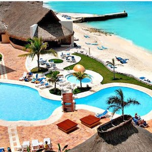 From $3993- or 5-Night All-Inclusive El Cozumeleño Beach Resort Stay