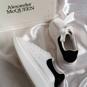 6.5折!黑尾£234、纯白£253史低价:Alexander Mcqueen 近期最好价 黑尾、帆布款等速速入