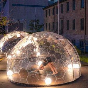 """6月21日-7月31日快来 """"玻璃球屋""""里做瑜伽 超级炫酷的瑜伽活动要开始了"""