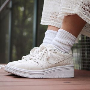 Air Jordan Retro 1 Low Lifted厚底女鞋多色选