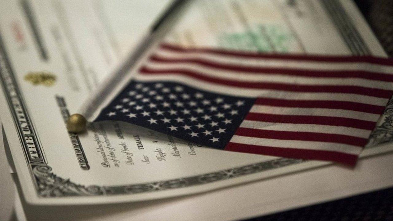 2020年最新版本绿卡申请公民,入籍美国流程攻略!材料清单,基本要求有哪些?