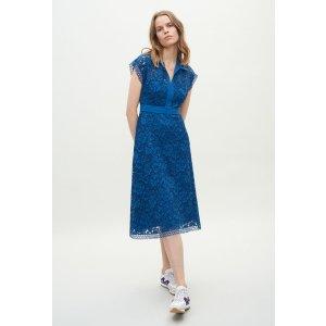 Claudie Pierlot蓝色蕾丝连衣裙