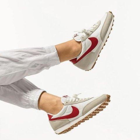 折扣区5折起 Sacai联名平替Nike Daybreak系列复古跑鞋好价返场 周董也在穿同款
