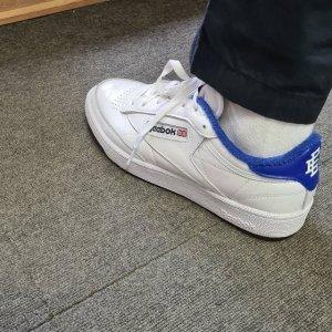 Reebok皮质表面Club C 85 小白鞋