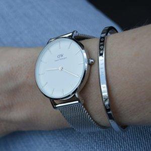 5.5折 $178.8(官网价$324)Daniel Wellington 礼品套装 经典32mm纯银手表+银色经典手镯