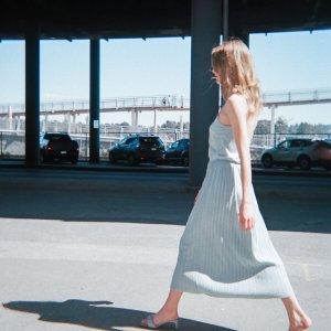 满额最高7折+晒单抽$100礼卡即将截止:Oak+Fort 夏季大促 封面美裙$48,多款上新,折扣区可叠加