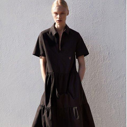 全场5折+额外9折 拼色针织裙£21上新:COS 极简裙子大促专区 剪裁的艺术 打造性冷淡新时尚 变身筷子精