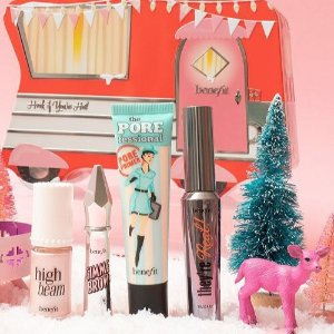 $30 ($100 Value)Macy's Benefit Cosmetics 4-Pc. Honk If You're Hot Limited Edition Set