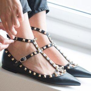 4折起 $281收高跟鞋补货:Valentino 美鞋上新 铆钉平底鞋限时特卖 黑色平底补货
