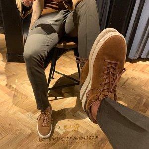 低至2折 €38就收休闲帆布鞋Outletcity 男士皮具专场 收包包、鞋履、秋冬配饰等