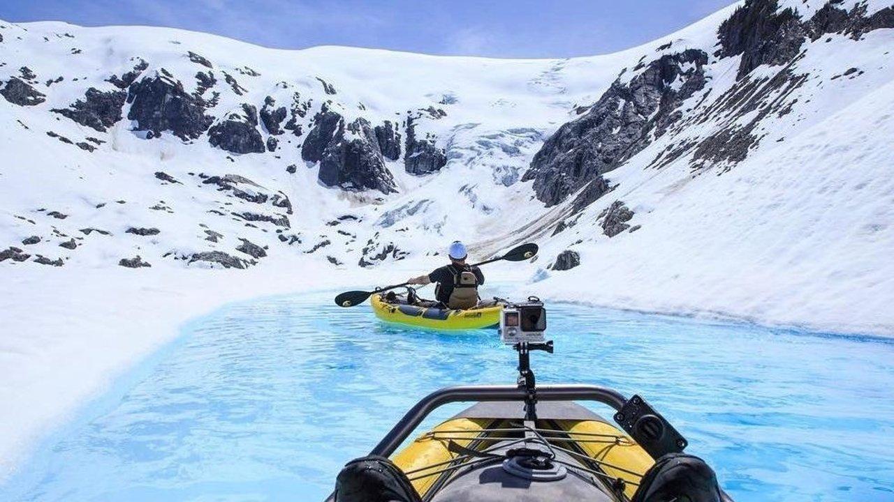 在加拿大一定要体验的9种小众玩法:划艇赏鲸、冰川行舟、索道速滑、极光摄影...