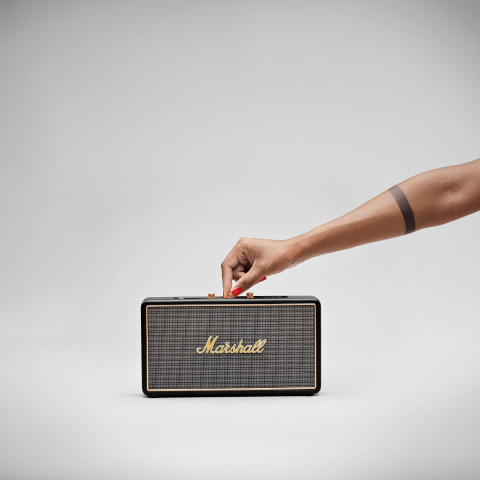 现价£109.99(原价£199.99)Marshall Stockwell 复古可爱便携蓝牙音箱热促 可预购