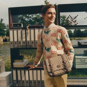 低至7折 收封面同款毛衣Gucci 新品时尚促 收迪士尼联名款、美包、围巾好价入