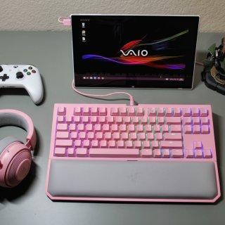 Razer Quartz 粉晶游戏键盘耳机套装测评