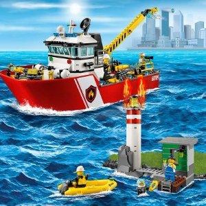 现价£44.99(原价£64.99)Lego 乐高城市系列 60109 消防船