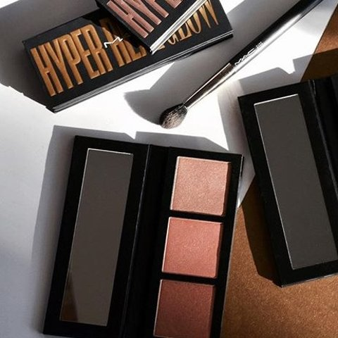 Today Only: MAC Hyper Real Glow Highlighting Palette Hot Sale