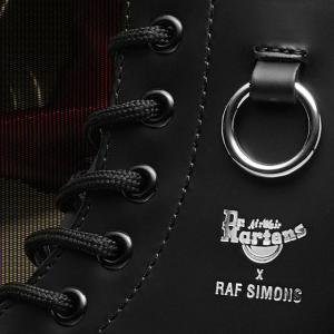 $270 可DIY吊坠新品上市:Dr. Martens X Raf Simons联名款马丁靴