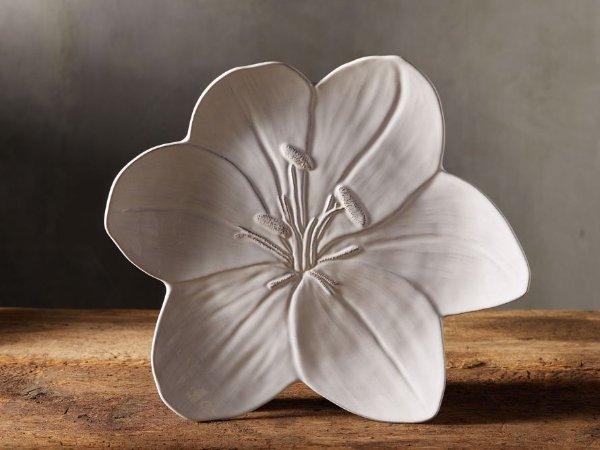 葡萄牙制花朵装饰盘子